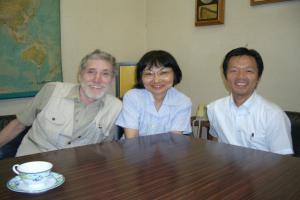 写真中央:ウエスト・和子さん